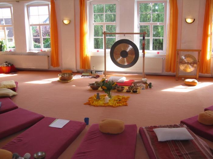 Yogaraum Gestalten klangmassagen informationen hess ausbildungsseminare